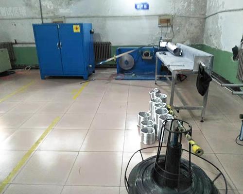 铝箔软管机制造
